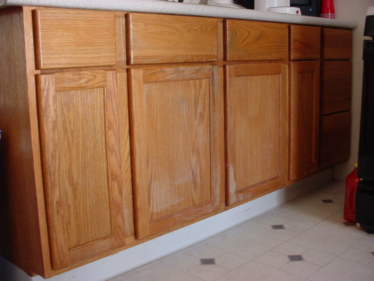 Cabinets In Need Of Re Staining See How The Old Stain Is Very Faded